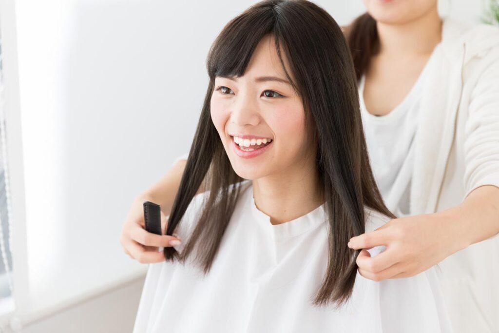 半永久的に効果が持続する頑固なくせ毛に対する縮毛矯正